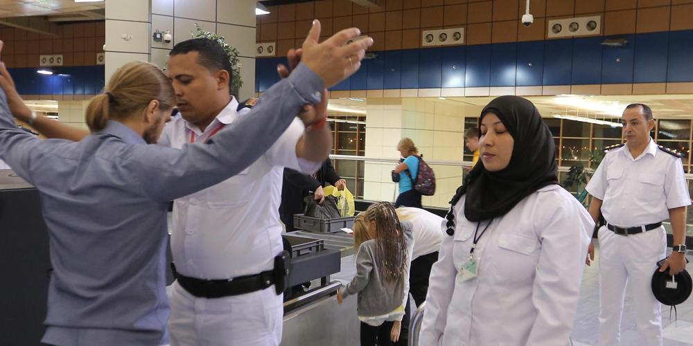Российские эксперты по безопасности прибыли в аэропорт Каир